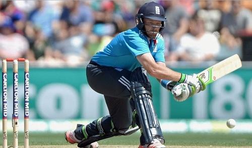 Ian Bell scored hundred to lead England past 300 against Australia.