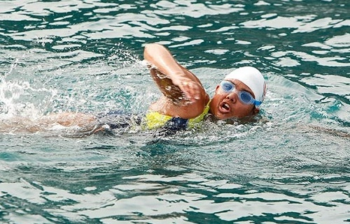 Indian swimmer Bhakti Sharma sets world record by swimming 1.4 miles in 52 minutes at Antarctic Ocean.