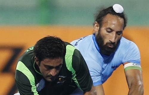 Sardar Singh said Pakistani players should be allowed to play Hockey India League.
