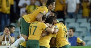 Socceroos beat China to qualify for Asian Cup 2015 semi-final
