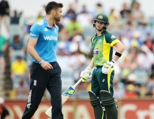 Australia vs England 2015 tri series final latest updates and live score.
