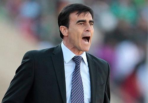 Gustavo Quinteros is appointed Ecuador football team coach for copa america 2015.