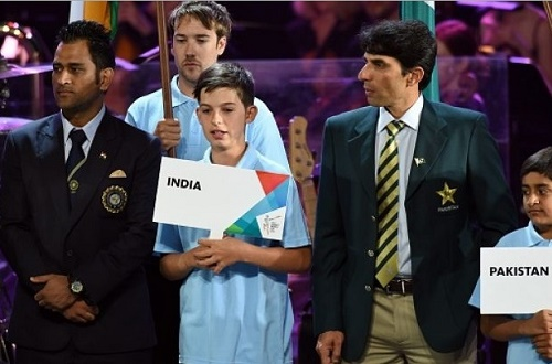 India-Pakistan captain together at 2015 cricket world cup opening ceremony.