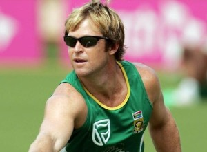 Jonty Rhodes to be analysts in 2015 world cup for Yahoo Cricket.