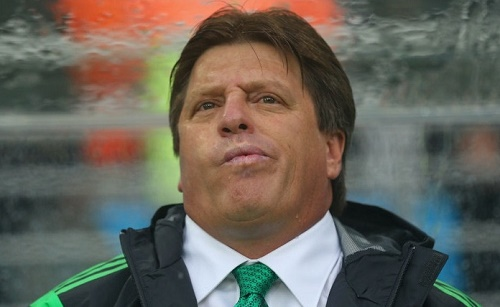 Miguel Herrera head is spinning over Mexico squads selection of 2015 copa america and gold cup.