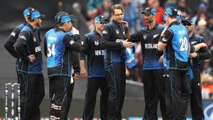 New Zealand beat Sri Lanka in the opening match of 2015 cricket world cup.