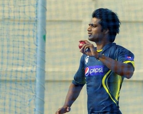 Rahat Ali replaced Junaid Khan in Pakistan's world cup squad.