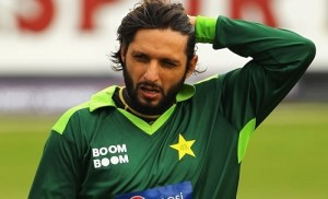 Shahid Afridi and other 7 Pakistan players fined 2400 dollars for violating team curfew.