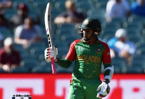 Mahmudullah hit maiden ton for Bangladesh in cricket world cup.