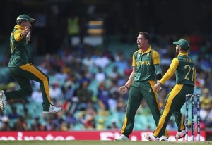 Proteas bowlers destroy Sri-Lanka in QF, Duminy took hat-trick.