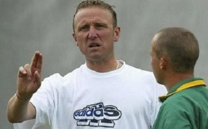 Allan Donald resigns from South Africa's bowling coach post.