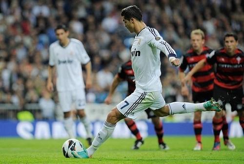 Real Madrid named squad for Liga BBVA match vs Celta de Vigo.