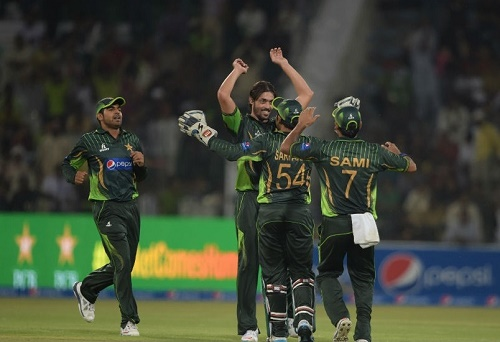 Pakistan beat Zimbabwe in the 1st ODI by 41 runs at Lahore.