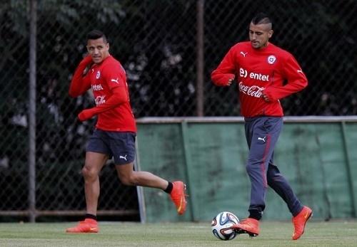 Chile announced 23-man squad for 2015 Copa America.