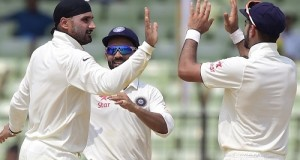 Harbhajan surpasses Akram to get 9th spot in highest test wicket takers list