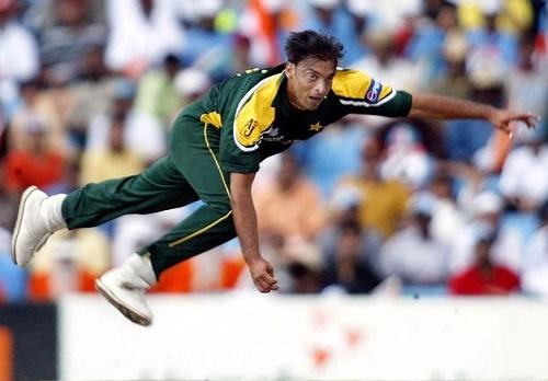 Shoaib Akhtar bolwed fastest ball of cricket history.