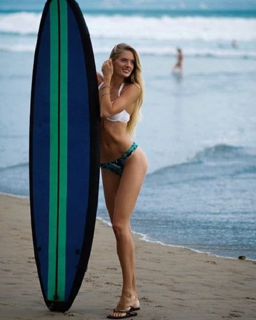 Alicia Schmidt at Bali beach