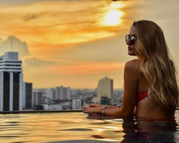 Alicia Schmidt looking pretty sexy in pool at Bangkok