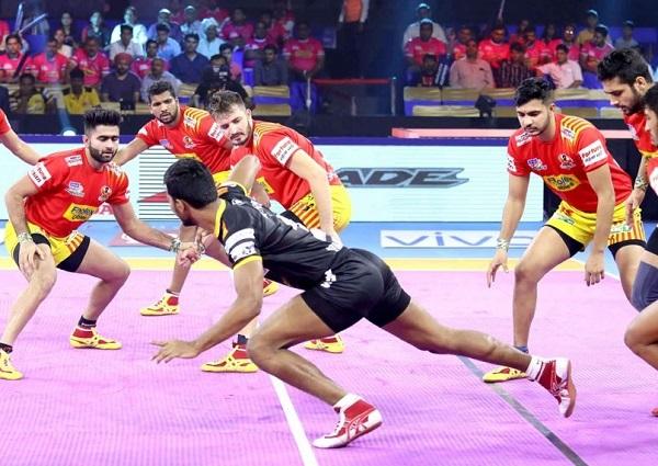 Gujarat Fortunegiant beat Telugu Titans in PKL 2019
