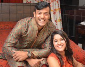 Mayank Agarwal photo with fiance Aashita