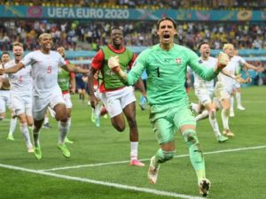Yann Sommer saves Mbappe penalty to guide Switzerland into Euro 2020 quarter-final