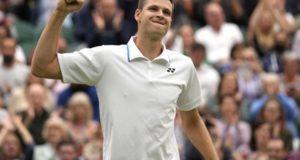 Wimbledon: Hubert Hurkacz faces idol Federer in 1st Grand Slam quarterfinal